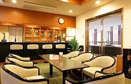 喫茶サロン「モンマルトル」 (1階)